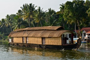 BACK WATER AU KERALA